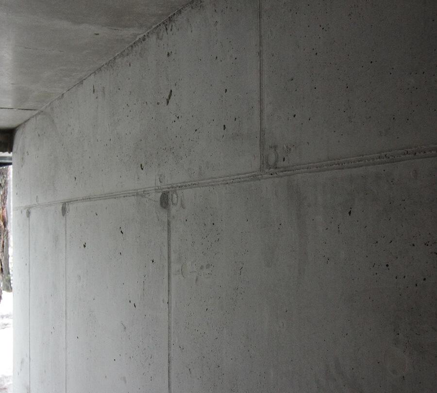 Usuwanie zacieków z betonu architektonicznego naprawa renowacja po