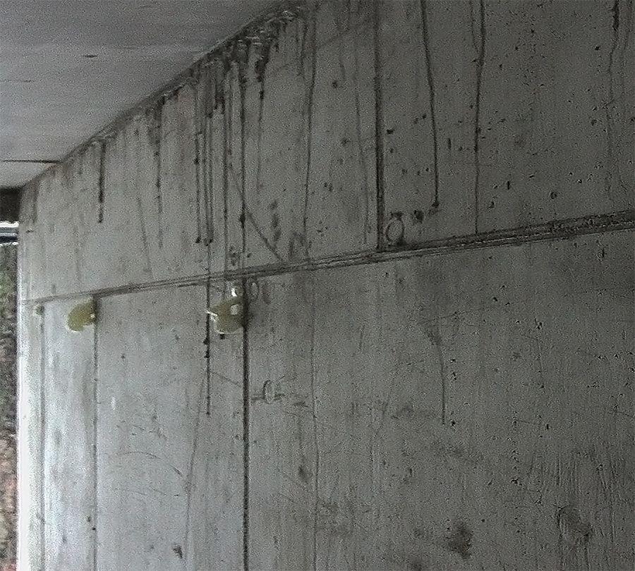 Usuwanie zacieków z betonu architektonicznego naprawa renowacja przed